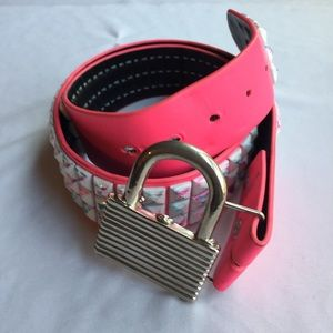 """4/25🇺🇸HOT TOPIC 3 LAYER HOT PINK/WHITE  BELT 34"""""""